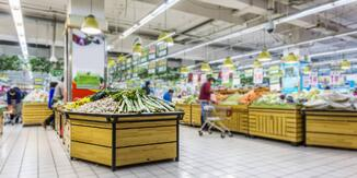 Fresh food isle at a physical grocery retailer